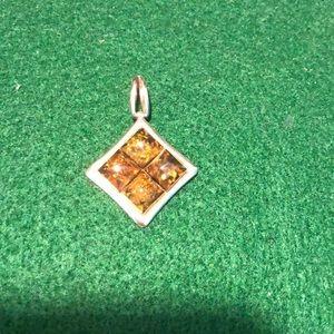 Jewelry - Amber pendant